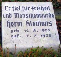 Restaurierter Grabstein Hermann Klemens