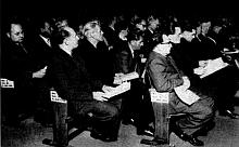 Der DKP-Abgeordnete Fritz Rische auf der Bundesversammlung in Westberlin, 17. Juli 1954, ganz links